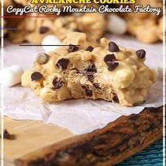 #cinnamonrollpokecake Cinnamon Cake Recipes, Cinnamon Roll Bread, Cinnamon Biscuits, Poke Cake Recipes, Dessert Cake Recipes, Pumpkin Recipes, Cinnamon Rolls, Pumpkin Pie Cake, Easy Pumpkin Pie