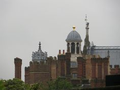 hampton court london