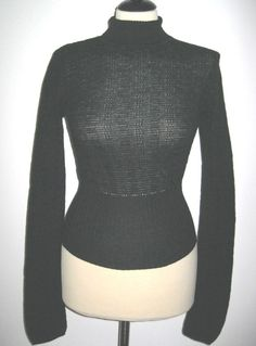 * * * HAUTE Lochmuster-Pullover schwarz, Gr.S * * *