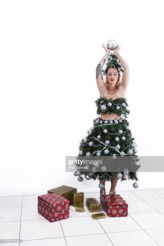 Christmas Photography, Christmas Costumes, Photo Craft, Crafts To Sell, Fancy Dress, Christmas Tree, Things To Sell, Holiday Decor, Dresses