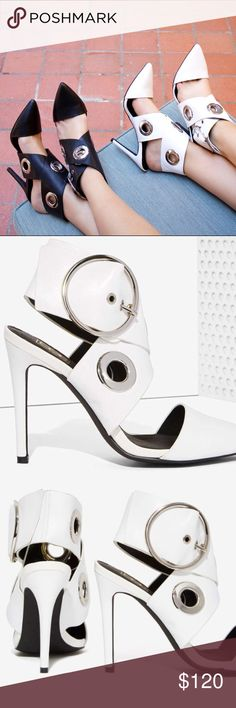 Elly Clay Morgan white leather pumps New in box 😊💗 elly clay Shoes Heels