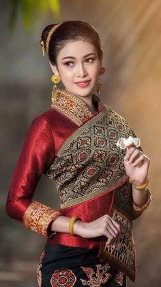 Sexy Asian Girls, Beautiful Asian Girls, Most Beautiful Indian Actress, Girls Image, Classic Beauty, Traditional Dresses, Asian Fashion, Indian Actresses, Asian Beauty