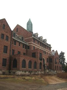 Baltimore State Hospital for the Criminally Insane. This is where Agent Starling meets Lecter.