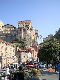 Hillside in Sorrento by Espino Family, via Flickr