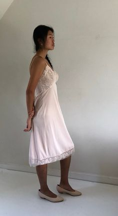 60s pale apricot full slip / nude lace slip / vintage lace