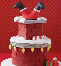 Here comes Santa...love this cake                                                                                                                                                                                 More