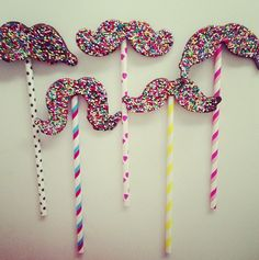 yummm moustache chocolate lolly pops ! <3