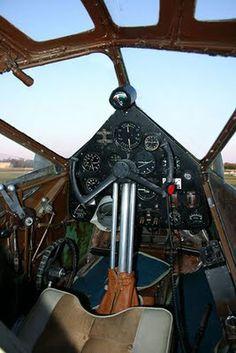 de Havilland DH.89 Cockpit