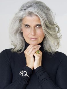 Ideas For Hair White Silver Grey Ageless Beauty Grey Hair Over 50, Short Grey Hair, Hair For Women Over 50, Hairstyles Over 50, Cool Hairstyles, Scene Hairstyles, Mature Women Hairstyles, Grey Hair Styles For Women, Grey Hair Inspiration