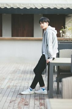 Song Wei Long Always smile Cute Korean Boys, Asian Boys, Song Wei Long, Korean Fashion, Mens Fashion, Nancy Momoland, Always Smile, Handsome Boys, My Boys