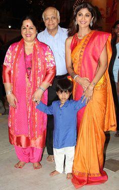 Shilpa Shetty, father Sudhakar Shetty, mother Sunanda Shetty and son Viaan Raj Kundra at Andhericha Raja. #Bollywood #Fashion #Style #Beauty #Hot #Desi #Saree