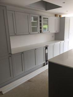 Grey Shaker Kitchen, Barn Kitchen, Home Decor Kitchen, New Kitchen, Kitchen Design, Kitchen White, Kitchen Diner Extension, Open Plan Kitchen Diner, Minecraft Kitchen Ideas