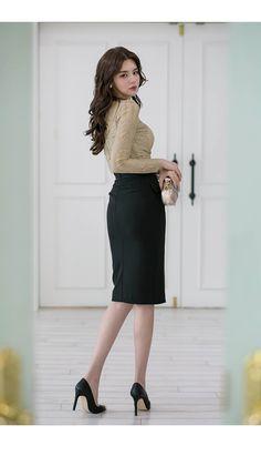 레건 버튼 포켓 스커트 Basic Outfits, Korean Outfits, Skirt Outfits, Cool Outfits, Fashion Outfits, Korean Clothes, Womens Fashion, Office Fashion, Korean Women