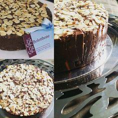 Mother's Cake é aquela sobremesa especial feita de muito chocolate belga para o seu final de semana!  Chocolate, seja bem vindo.... #bolodenozes #fiosdeovos #nakedcake #bolomoussedechocolare #bolobemcasado #bologanache #bolodelicia #boletthone #superrecheio #bolo #bolos #splovers #boloartesanal #bolobom #bombone #euvejosp #saopaulo_originals #tortadenozes #gastrobrasil2017 #saopaulocity #spsweety