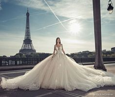 White bride dresses. All brides want to find themselves having the perfect wedding day, but for this they need the most perfect wedding outfit, with the bridesmaid's outfits actually complimenting the brides-to-be dress. The following are a variety of ideas on wedding dresses.