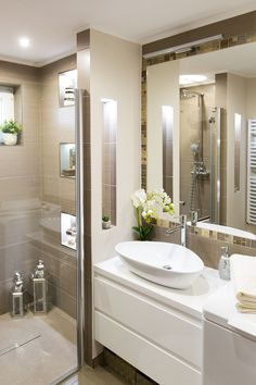 There are various design options for your walk in shower. There are various design options for your walk in shower. Bathroom Colors, Small Bathroom, Bathrooms, Bathroom Ideas, Shower Ideas, Basement Remodeling, Bathroom Renovations, Bungalow, Walk In Shower Designs