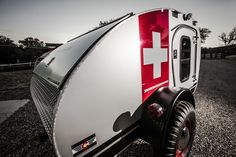 Colorado based outdoor enthusiast Britton Purser has teamed up with his two younger brothers to create a series of lightweight teardrop caravans that are tough enough to take off road