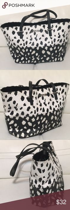 KENNETH COLE LARGE TOTE Gorgeous tote in perfect condition, no damages of any kind Kenneth Cole Bags Totes