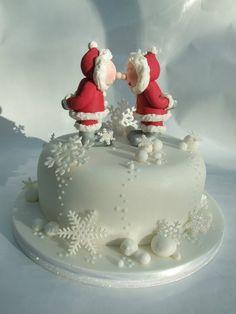 Gorgeous Christmas cake with Santa & Mrs Claus rubbing noses - Emma Jayne Cake Design Christmas Themed Cake, Christmas Cake Designs, Christmas Cake Decorations, Christmas Sweets, Holiday Cakes, Christmas Goodies, Christmas Baking, Simple Christmas, Christmas Cakes