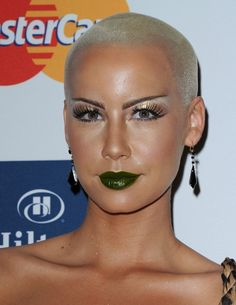 Luxurious glitter and glamour Amber Rose ...Fantastic...