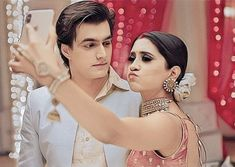 Kartik And Naira, Kaira Yrkkh, Mohsin Khan, Cutest Couple Ever, Girl Couple, Together Forever, Kinds Of People, Cute Couples, Birds