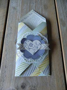 Bestecktasche mit dem Envelope Punch Board mit Floral Frames