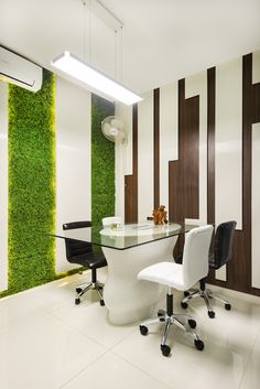The Green element adds a touch of freshness to the meeting room by A.J Architects. Architects, Touch, Contemporary, Interior Design, Green, Table, Room, Furniture, Home Decor