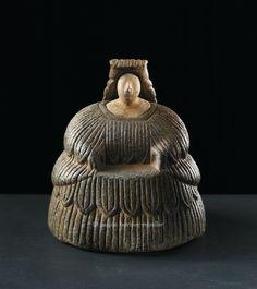 Statuette féminine, Bactriane, culture de l' Oxus, Afghanistan, Turménistan. /  3e millénaire avant J.-C. / Musée Barbier-Mueller, Genève.