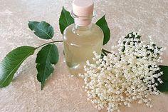 Erfrischender Holunderblütenlikör, ein raffiniertes Rezept aus der Kategorie Likör. Bewertungen: 208. Durchschnitt: Ø 4,7.
