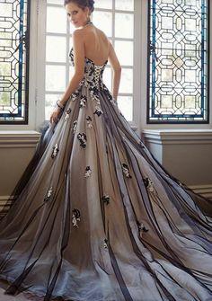 Black / White wedding Dress