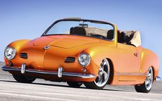 Very nice Volkswagen Karmann Ghia, low light. Volkswagen Karmann Ghia, Vw Classic, Best Classic Cars, Bugatti, Lamborghini, Karmann Ghia Convertible, Automobile, Vw Gol, Vw Vintage