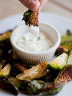 Crispy Brussels Sprouts With Garlic Aoli - Total Time: About 20 mins #Oscars #Oscars2015 #OscarsCountdown