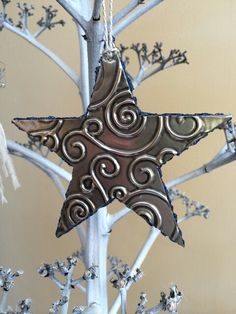Made with Star Texture plate available at Creaticca Studio. Made by the Pewter Room. Tin Foil Crafts, Tin Foil Art, Aluminum Foil Art, Aluminum Crafts, Tin Can Crafts, Diy Resin Crafts, Metal Crafts, Recycled Crafts, Recycled Clothing