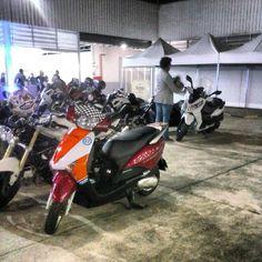 Da série ONDE TEM UMA, TEM DUAS (ou mais) ...envie tambem a sua foto ! ... #use_scooter #scooterista #motonauta #onde_tem_1_tem_2 http://www.scooterista.com.br/