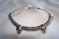 Deluxe Bass String Skull Bracelet