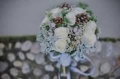 White, silver and light blue winter bouquet - photo by L&V Photography