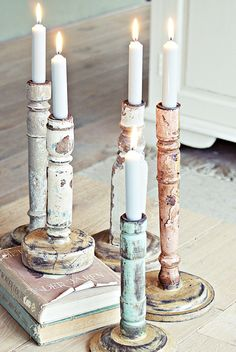 Shabby chic:wooden candlestick lived,candelieri in legni sciupati ad arte Chandeliers, Chandelier Bougie, Candle Lanterns, Pillar Candles, Rustic Candles, Rustic Candleholders, Painted Candlesticks, Vintage Candles, Vintage Decor