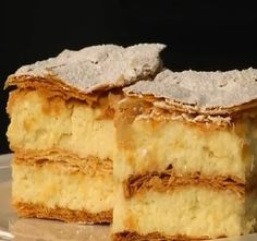 A krémesben az a legnehezebb, hogy olyan tartása legyen, mint a cukrászdainak. Ebből a videóból ellesheted a titkot! Hungarian Desserts, Sweet And Salty, Sweet Life, Cake Cookies, Apple Pie, Food Porn, Food And Drink, Cooking Recipes, Yummy Food