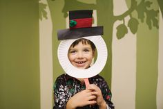 Paper Plate Kid's Snowman Craft | Your kids will have fun with this!