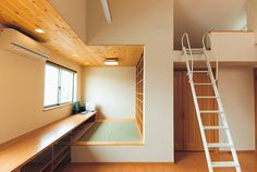 落ち着いた雰囲気の畳を敷いた書斎スペース