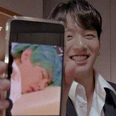 Taekook, Foto Bts, Bts Taehyung, Vkook Memes, Kpop, Bts Aesthetic Pictures, I Love Bts, Bts Korea, Bts Lockscreen