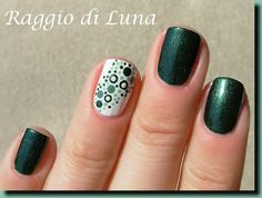 Like the dots design Dot Nail Designs, Simple Nail Art Designs, Easy Nail Art, Dots Design, Beautiful Nail Art, Gorgeous Nails, Pretty Nails, Nails Only, Get Nails