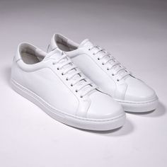 10 Best White Sneakers for Men - 10 White Shoes to Wear Right Now All White Trainers, Best White Sneakers, New Shoes, Men's Shoes, Dress Shoes, Formal Shoes, Casual Shoes, Flat Heel Boots, Gents Fashion