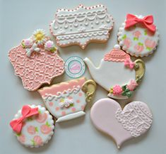 Its High Tea Time!Bring these show-stopping treats to your next event.Cookies are handmade and decorated just for you, never pre-made or frozen.Cookies measure from 3-4 inches each.Each set comes with the following:-Tea Cup-Tea Pot with edible 3d flowers-Lace heart-Lace Rectangle-Circle with roses and edible 3d bow-Fancy Square with edible 3d flowers and bowsCookies come individually sealed and wrapped for max freshness and protection.