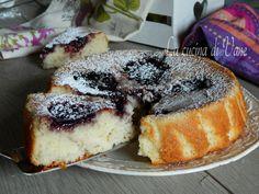 Torta di albumi con yogurt e marmellata,ricetta per una torta soffice umida golosa senza burro e grassi, leggera, profumata, con video ricetta