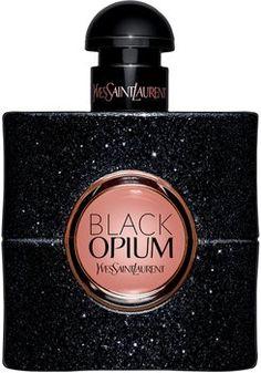 Yves Saint Laurent Black Opium Eau de Parfum est une eau de parfum rock et chic. Ses notes de fleurs blanches, de café noir ou encore de vanille ont déjà conquis de nombreuses Françaises.