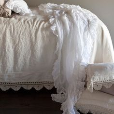 Bella Notte Bed Scarf Whisper Linen @Layla Grayce
