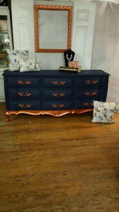 French Provincial dresser painted with Dixie Belle Paint Company's Bunker Hill Blue and Americana Decor Metallics copper. ❤  #dixiebellepaint #painttransformation #2sistersdesign https://m.facebook.com/2sistersdesignpauladarlenecharneco/