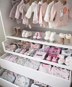 Baby girl closet ideas baby closet organization tips and nursery Baby Bedroom, Baby Room Decor, Nursery Room, Girls Bedroom, Room Baby, Baby Rooms, Bedrooms, Garden Nursery, Unisex Baby Room