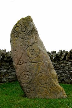 Aberlemno: The Serpent Stone - 'Class 1 Pictish Symbol Stone' situated on the roadside at Aberlemno, Angus Scotland - contains a double disc z-rod, serpent, mirror and comb. Was probably a much earlier megalith re-used by the Picts. Celtic Art, Picts, Stonehenge, Ancient Artifacts, Stone Carving, Kirchen, Ancient History, Rock Art, Archaeology